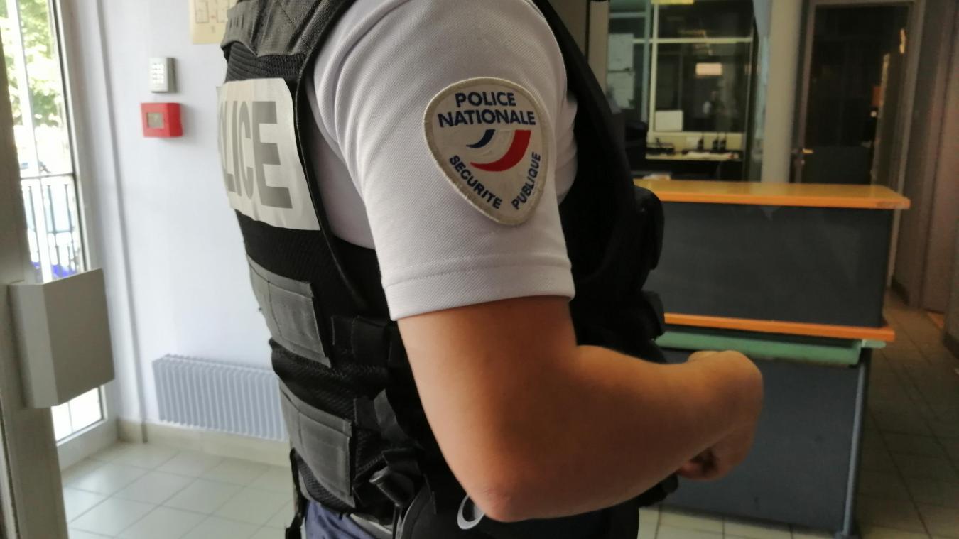 Il reviendrait logiquement aux forces de l'ordre, police et gendarmerie, de contrôler les établissements soumis au pass sanitaire ainsi que les cas positifs placés à l'isolement