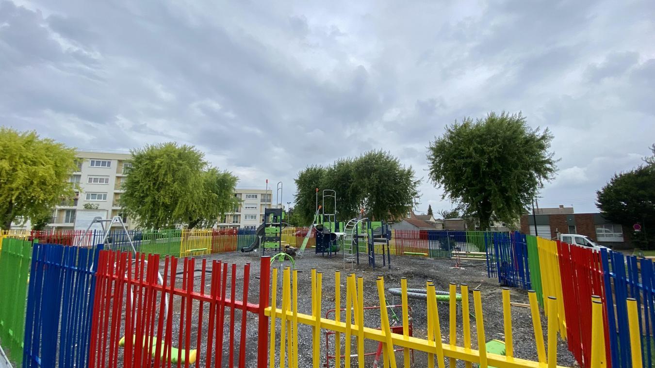 L'aire de jeux sera achevée avant la fin du mois.