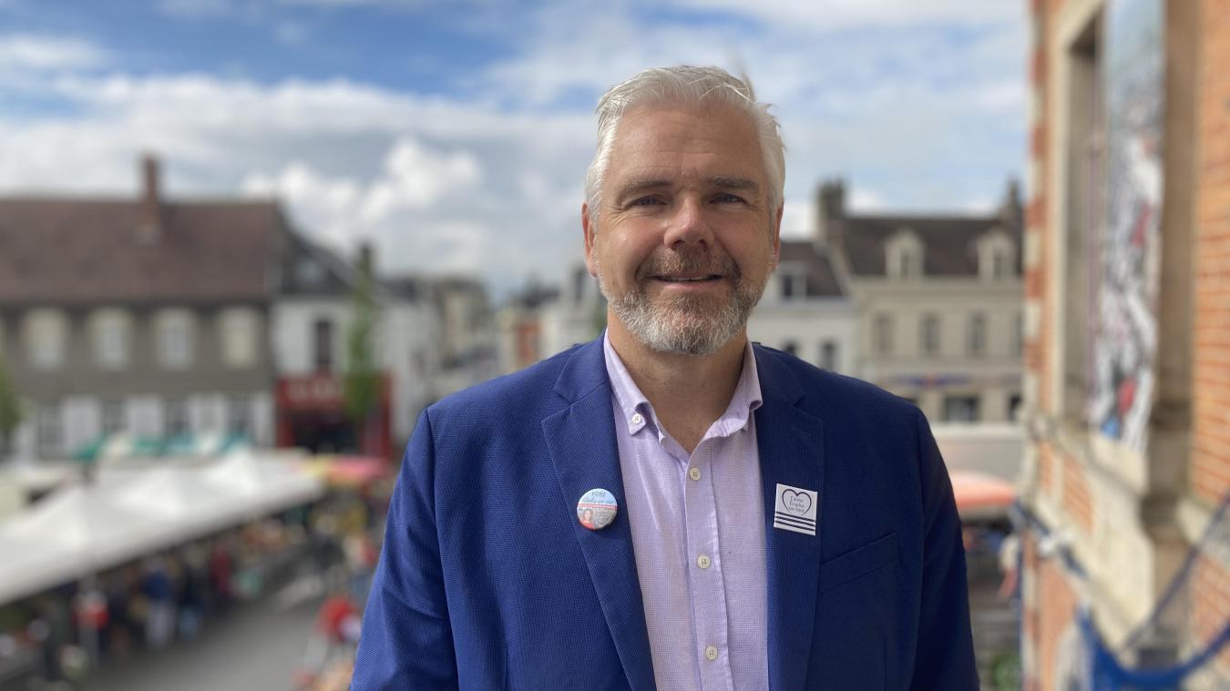 Philippe Fait, maire d'Étaples-sur-Mer, un élu tout heureux d'accueillir la tournée Big Tour, ce vendredi soir 16 juillet.