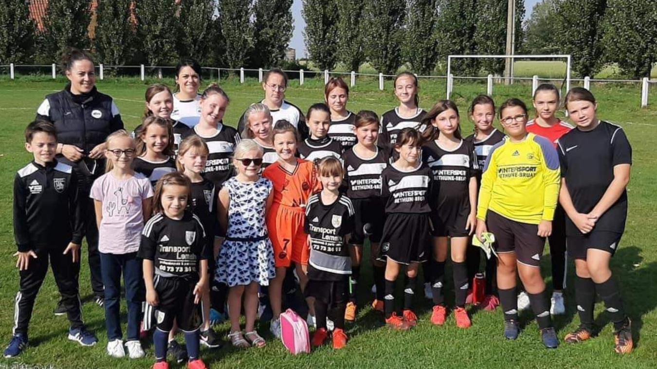 Depuis deux saisons, le football féminin se développe à l'ESDI.