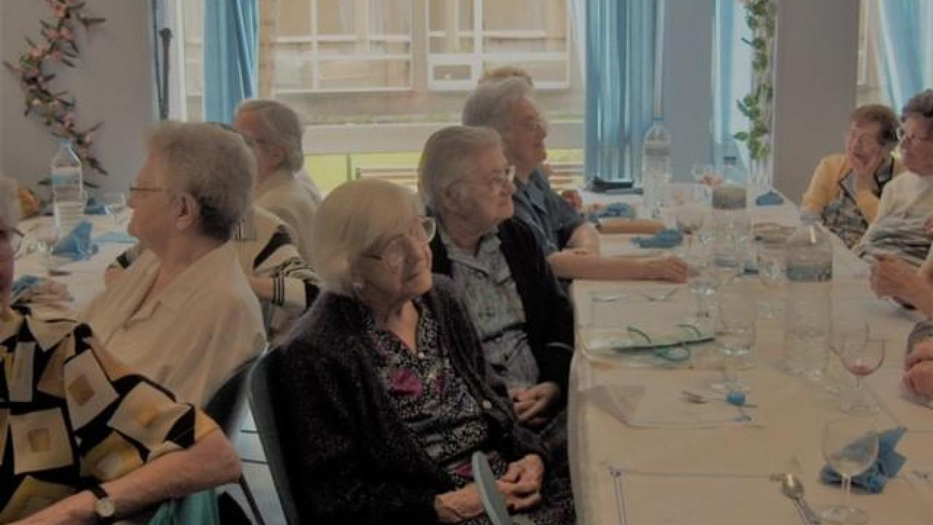 La Ville va mettre en place des repas pour les personnes de plus de 65 ans dès la rentrée.