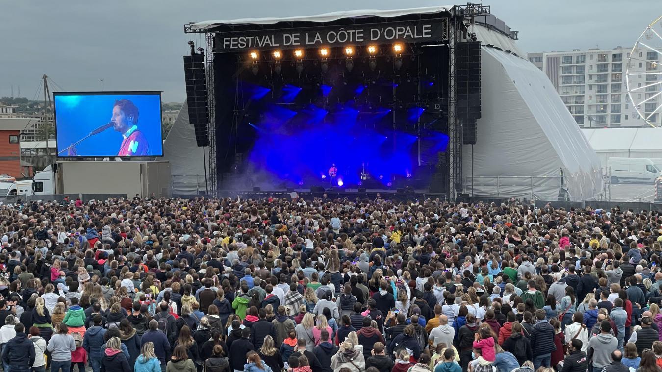 L'Éperon affichait complet avec plus de 6000 spectateurs pour assister au concert de Vianney.