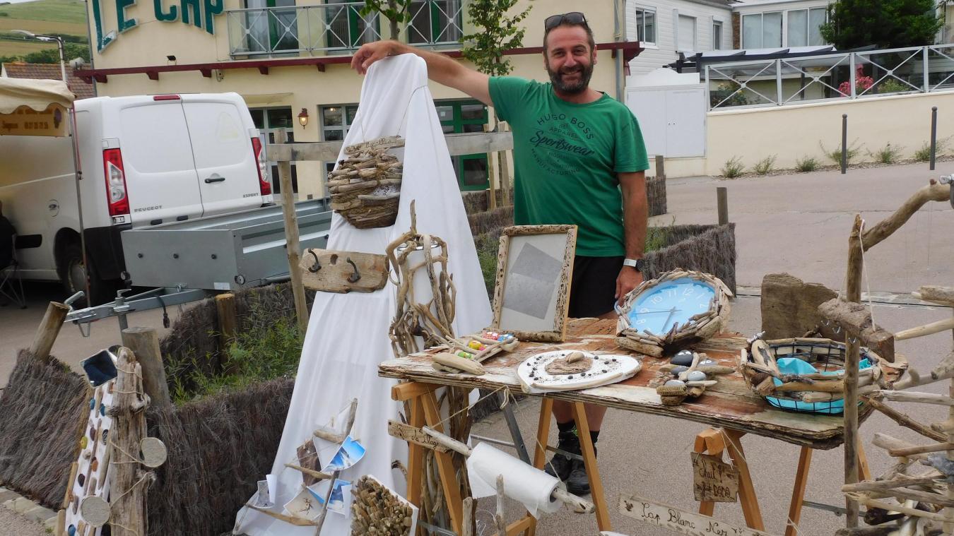 Pierrick Veron expose ses créations au marché estival jusqu'au 18 septembre.