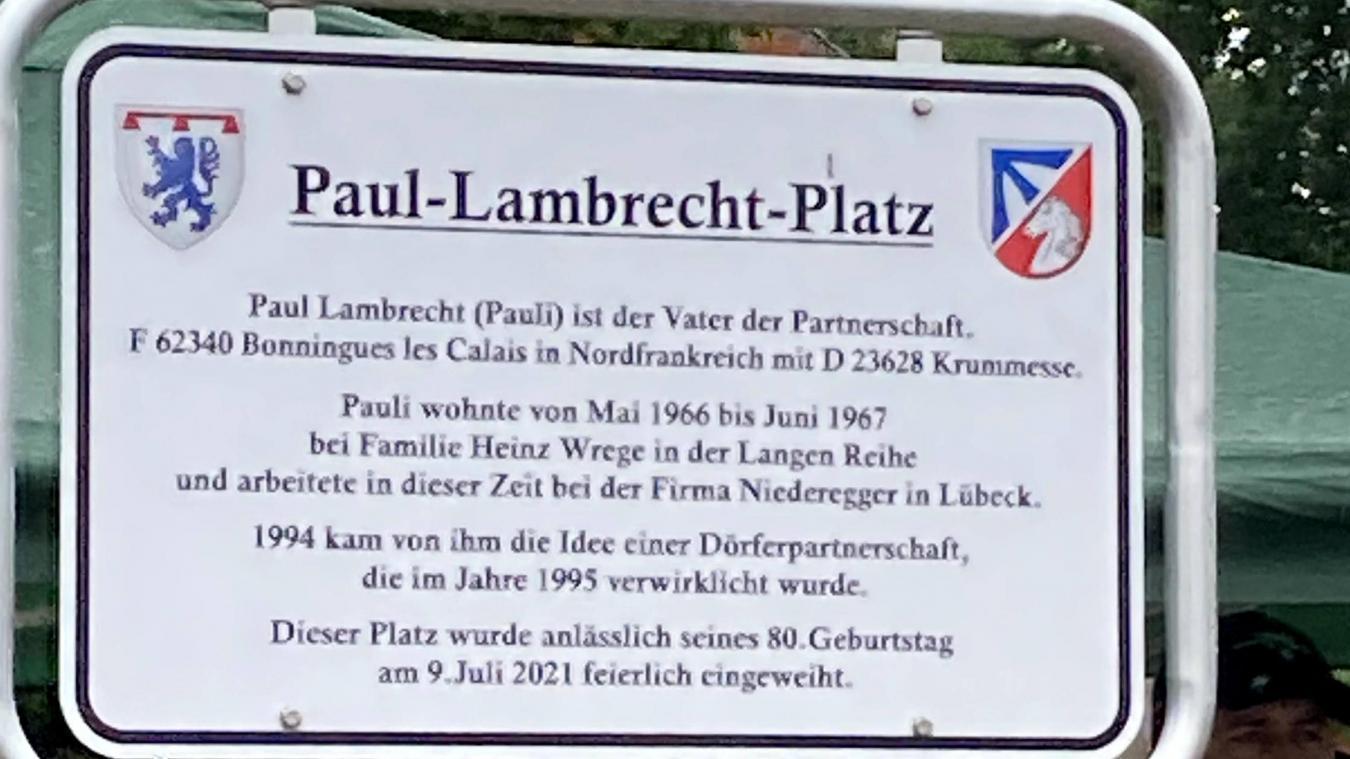 Une place au nom de Paul Lambrecht, considéré comme le père du jumelage.