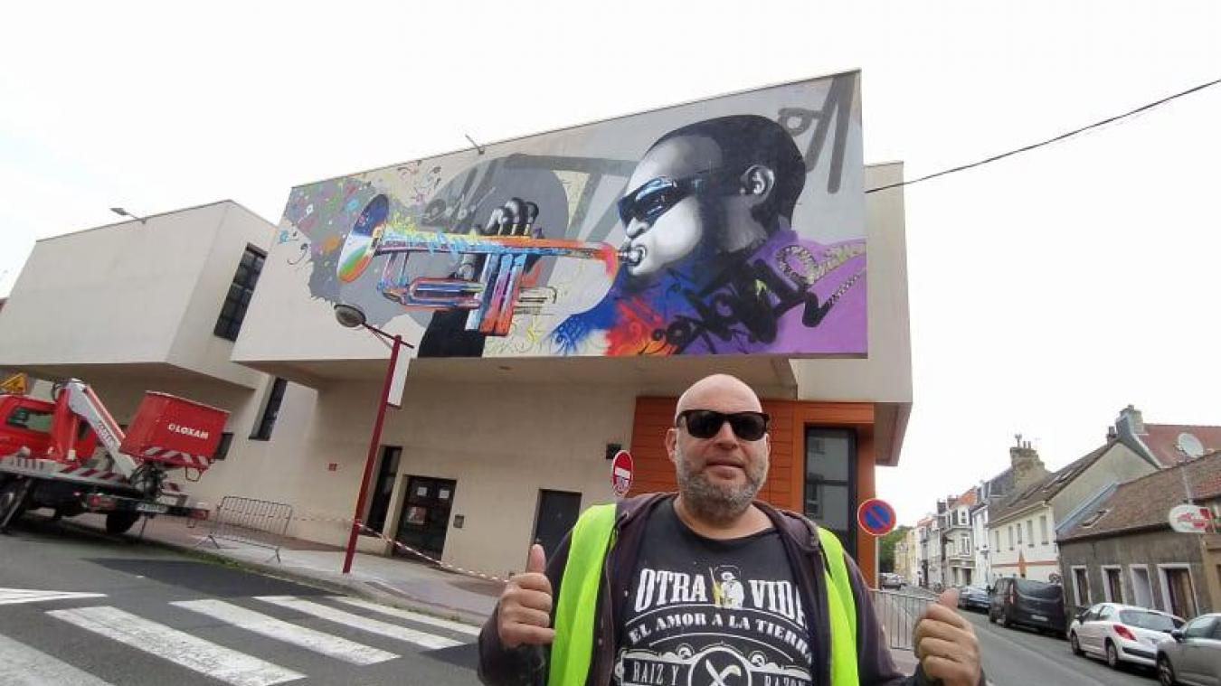Marko93 est un artiste de street-art originaire de la région parisienne, il peint à travers le monde entier.