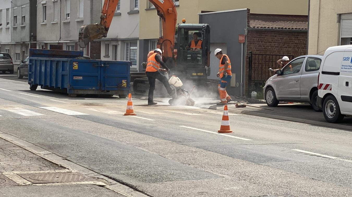 Les ouvriers ont commencé les travaux dans la rue de Vaudricourt, lundi 5 juillet dans la matinée.