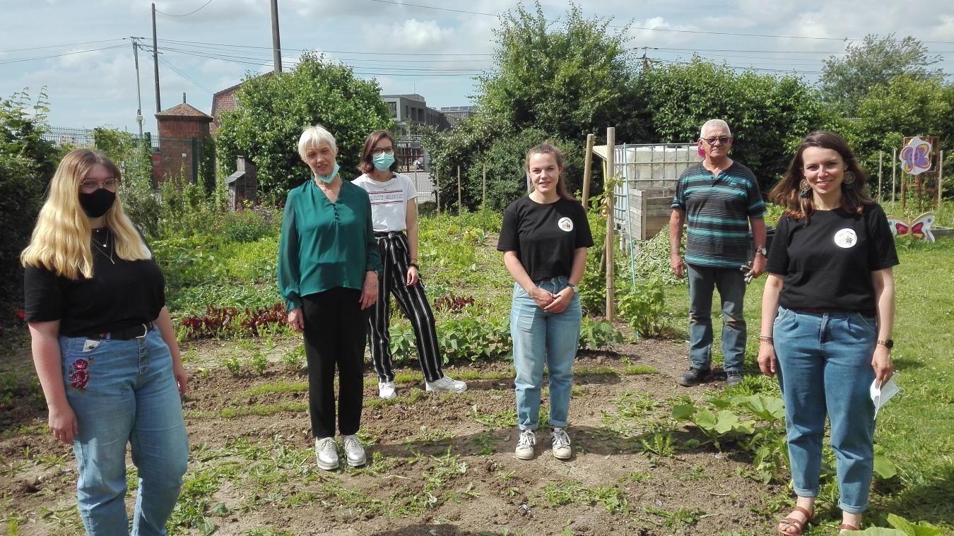 Des jeunes en service civique ainsi que des bénévoles sont au cœur de ce projet.