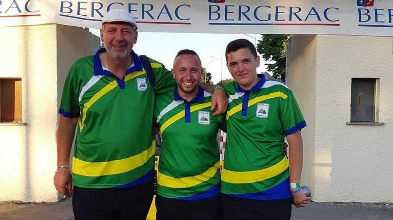 Stéphane Calin, Damien Hédon et Fabien Petit ont porté haut les couleurs de leur village aux  championnats de France.