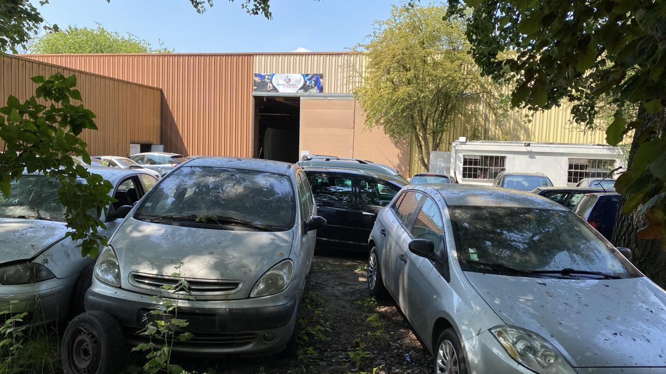 Le site principal se trouve à Lens, dans la zone d'activité du Gard.