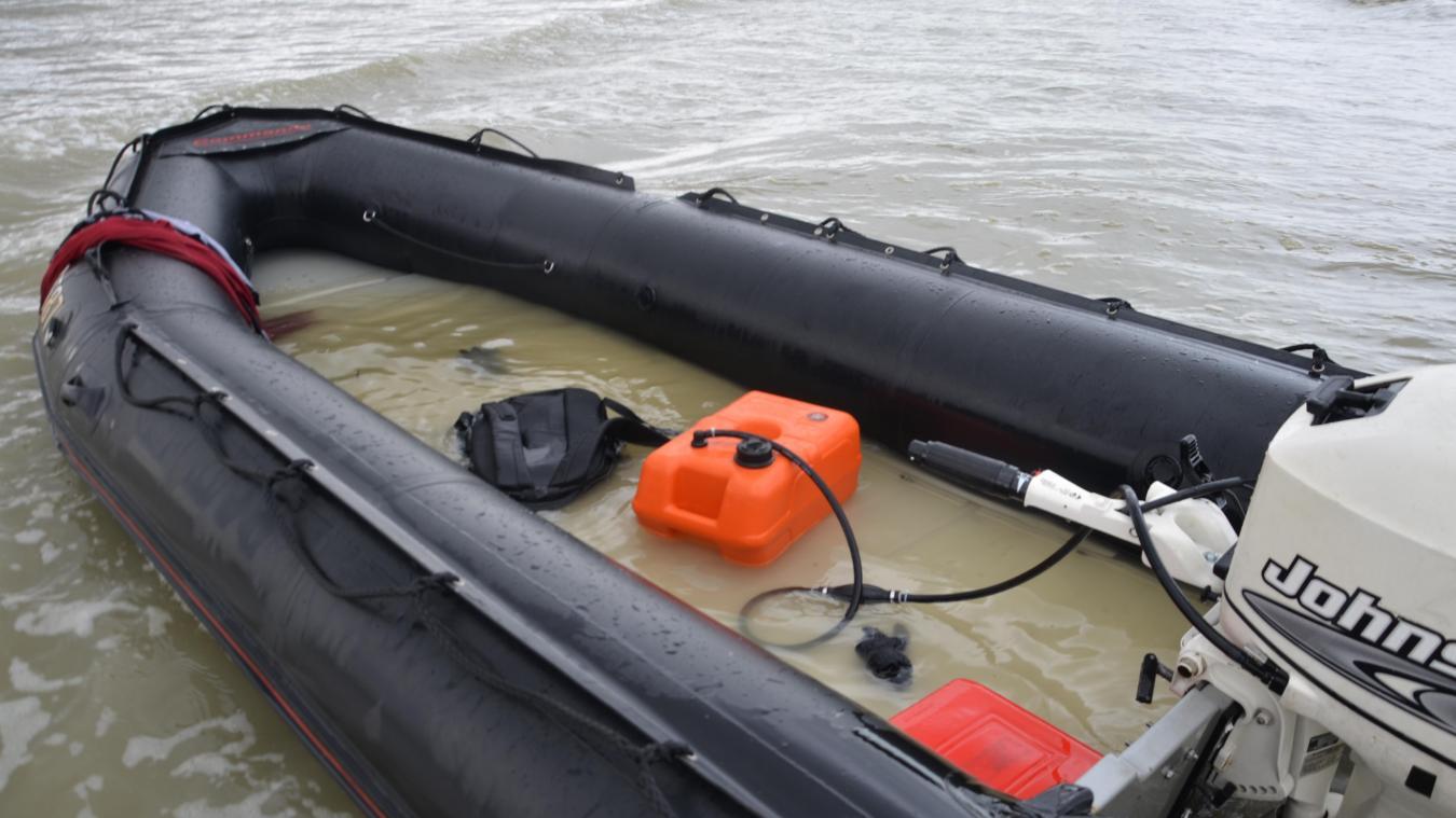 Pour alimenter les moteurs des embarcations surchargées, les passeurs utilisent souvent des réservoirs auxiliaires de 10 litres, directement visés par l'arrêté préfectoral.
