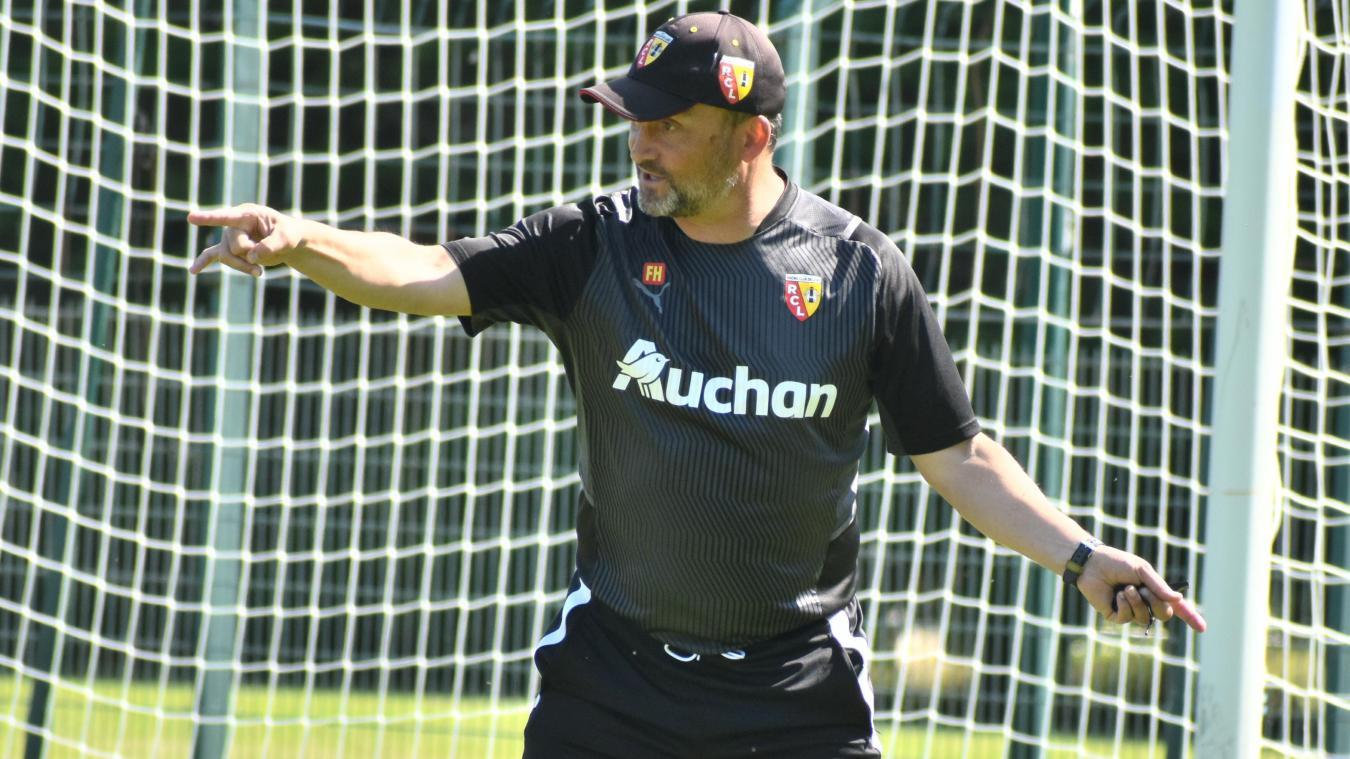Franck Haise donne ses directives à l'entraînement.