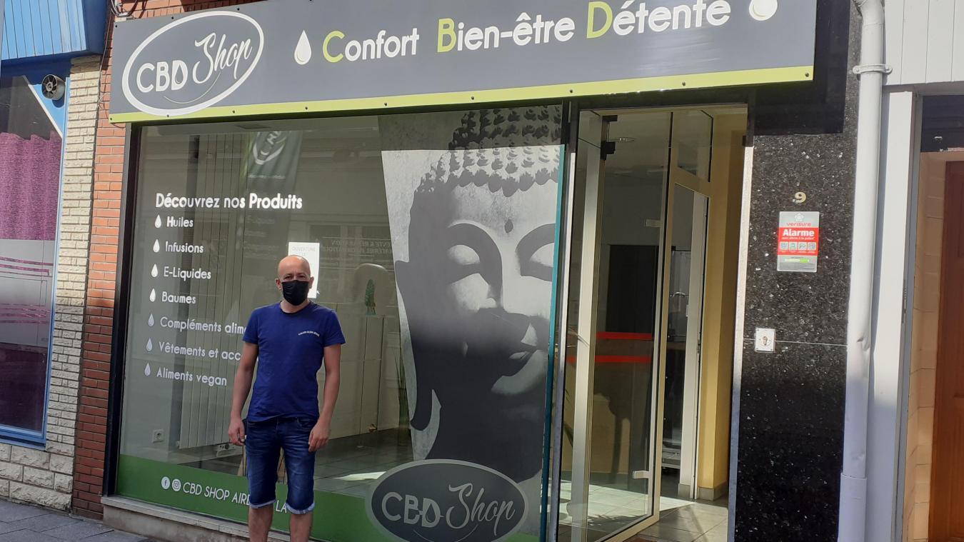 Olivier Hilmoine va ouvrir sa boutique de CBD rue Notre-Dame, à deux pas de la Grand-Place d'Aire-sur-la-Lys.