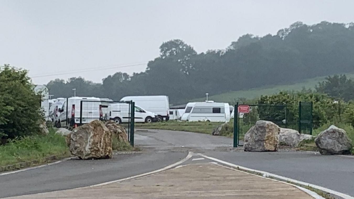 Un nouveau campement de 100 caravanes s'est installé dimanche soir à Landacres.