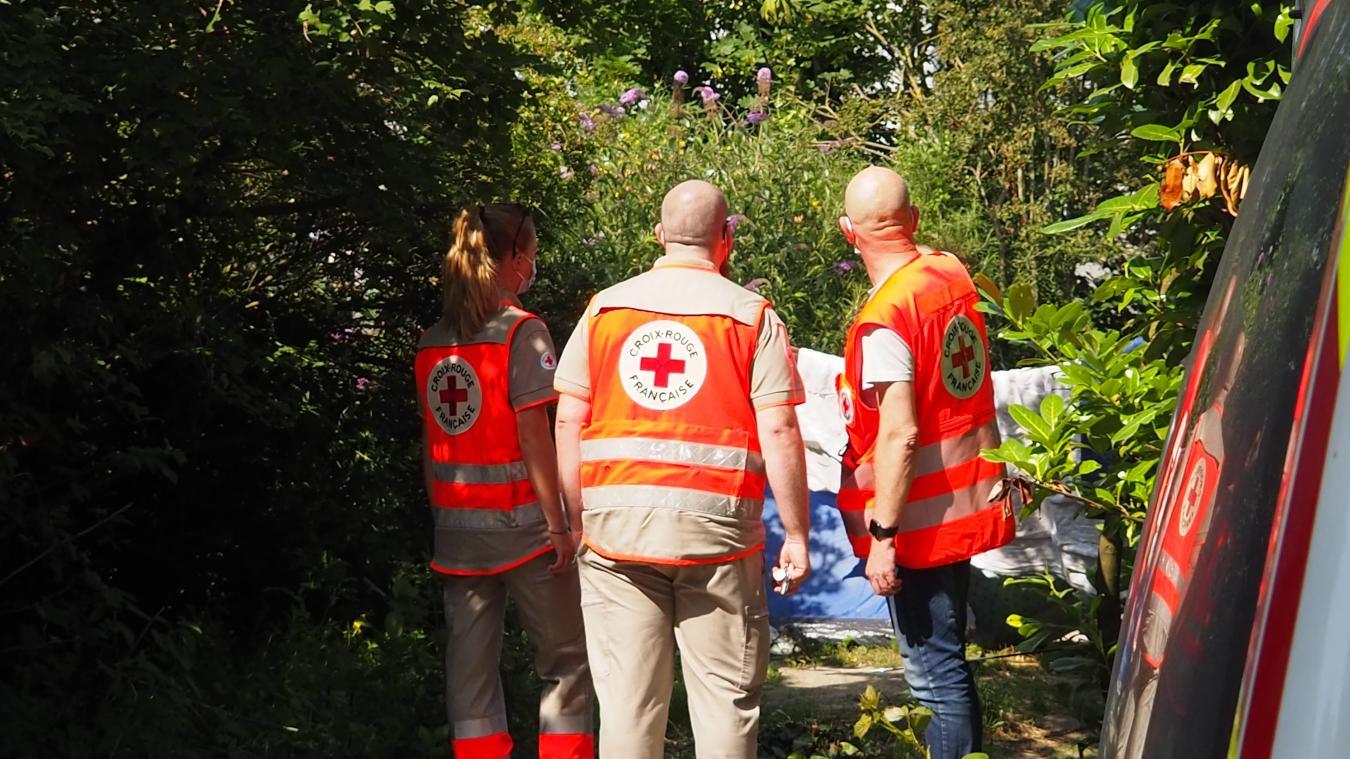 Vendredi dernier, Xavier, Maxime et Adèle ont effectué une maraude pour apporter de l'eau, des kits d'hygiène, etc., aux personnes démunies.