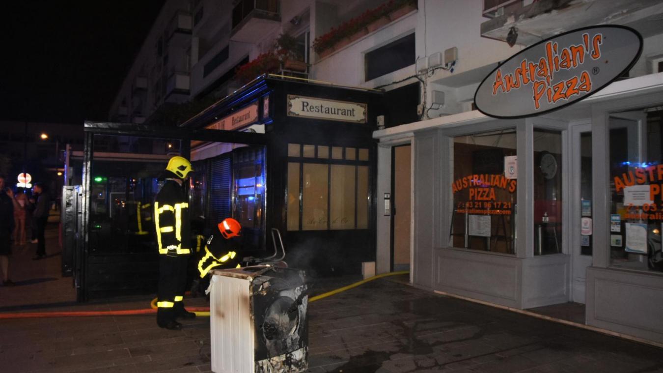 L'incendie s'est produit place d'Armes durant la nuit de lundi à mardi. © Vincent Labroy service communication Sdis62