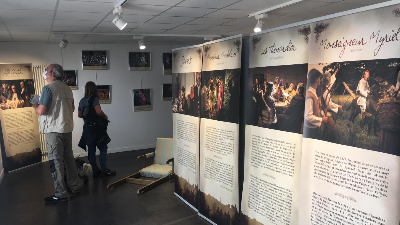 A peine ouverte, l'exposition sur les Misérables rencontre déjà un beau succès auprès du public de passage à l'Office de Tourisme situé 11 et 13 rue Pierre Ledent.
