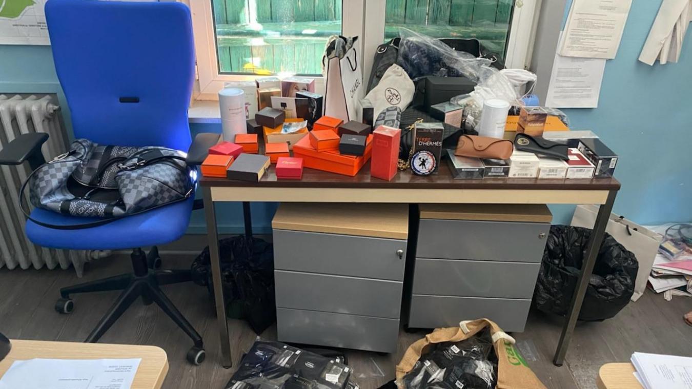L'ensemble des marchandises saisies ont été envoyées à la destruction par la douane.