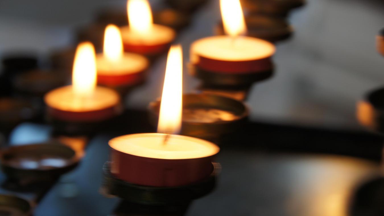 Pas-de-Calais : à 18 ans, il doit organiser les obsèques de sa mère, tuée brutalement