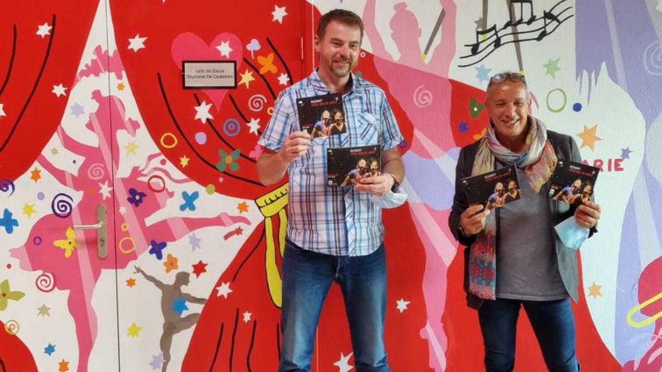Mickaël Fauquemberg et Ali Boukacem présentent le programme des 20 ans de l'espace Ronny-Coutteure.