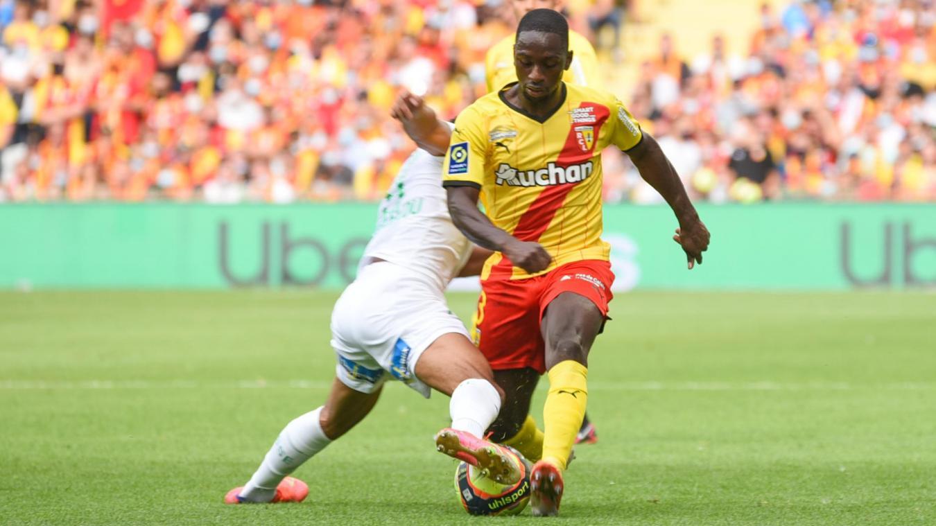 Le colombien Deiver Machado, élu meilleur latéral de Ligue 2, s'est engagé avec Lens.