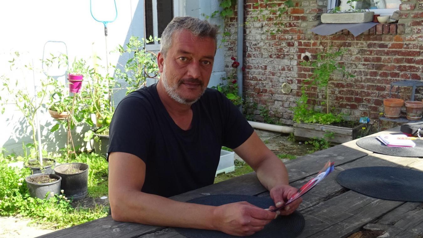 Julien Candas organise ce festival dans sa grange.