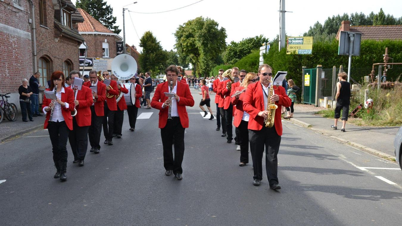 Douze groupes sillonneront les rues de Neuf-Berquin dimanche.