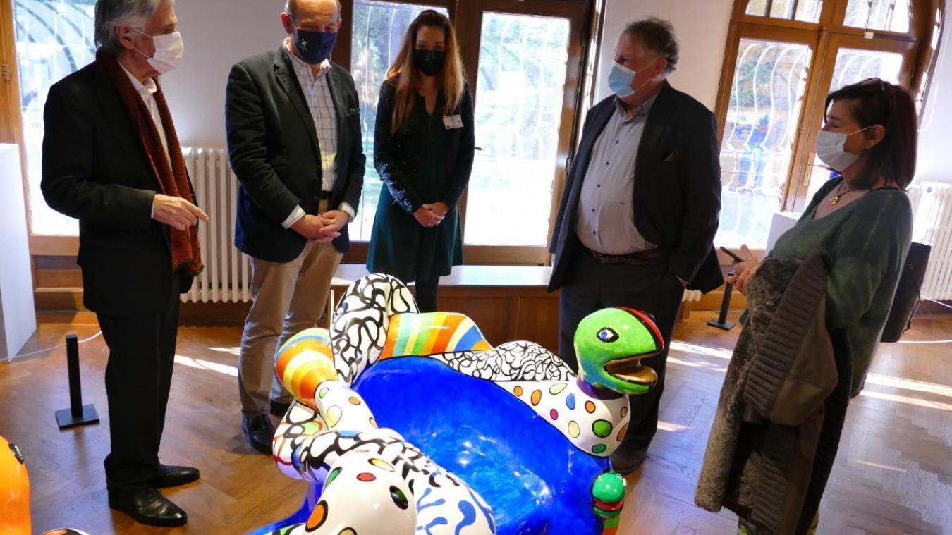 Guy Peters, le propriétaire des oeuvres, lors du vernissage de l'exposition samedi 17 octobre.
