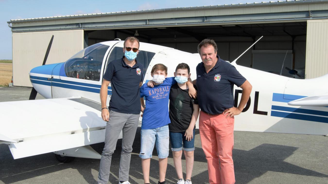 Evan et Léni avec les pilotes.