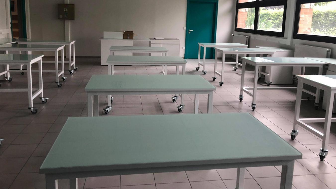 Quelques classes ont bénéficié de nouveaux aménagements au collège Henri-Durez à Estaires.