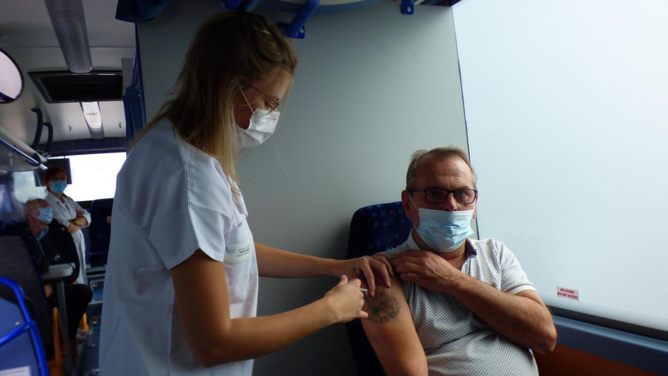 Très peu de gens se sont présentés ce samedi au Vaccino'car.