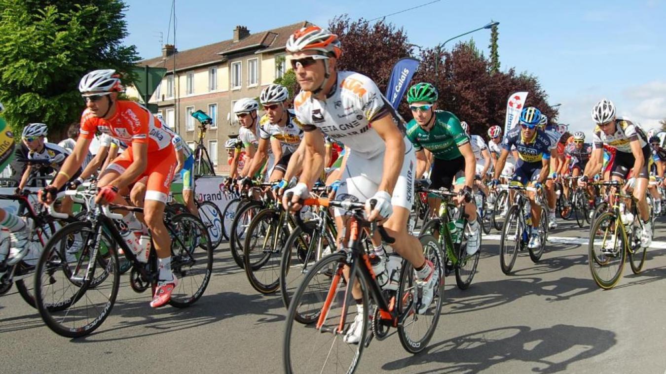 Le Grand Prix d'Isbergues compte 18équipes d'hommes, soit entre 120 et 130coureurs.