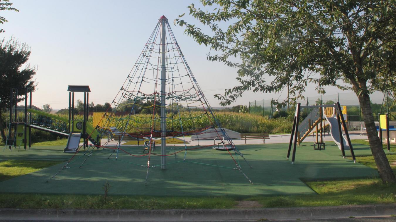 L'aire de loisirs de Buysscheure comporte sept jeux, accessibles à partir de 3 ans.