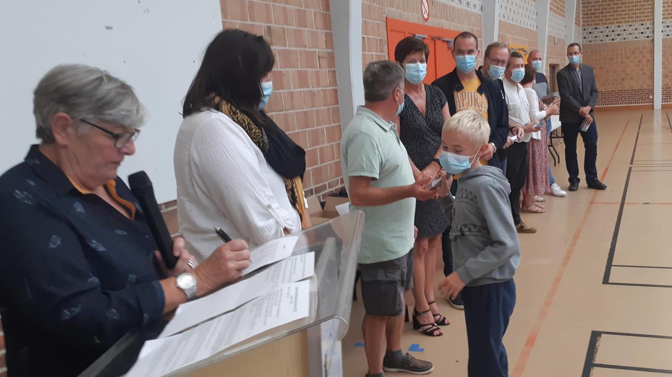 Les enseignants ont félicité leurs anciens élèves pour leur passage en 6e.