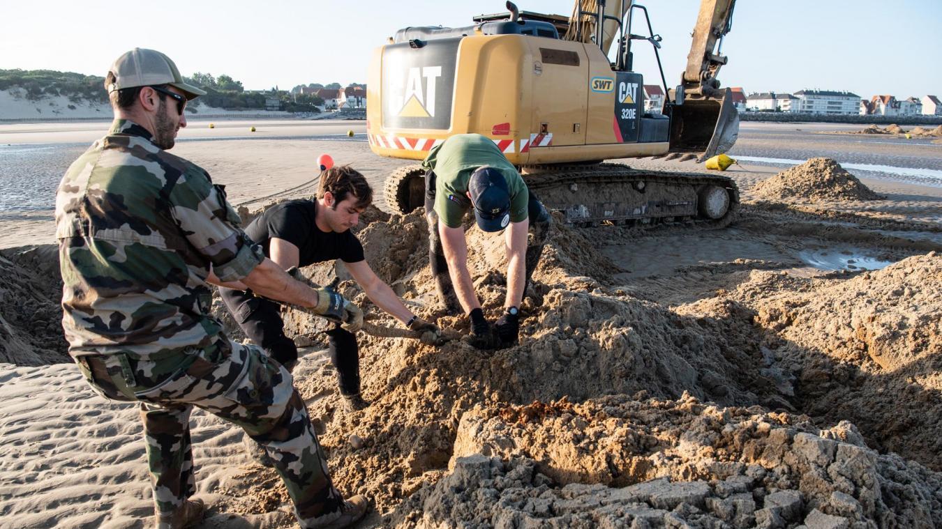 Des déchets métaliques, enfouient dans le sable, ont été récupérés dans le sable. Le Mardi 07 septembre 2021 a eu lieu une opération de levée de doute de blocs de défense sur la plage de Wissant par le groupe des plongeurs démineurs de la Manche et de la mer du nord.