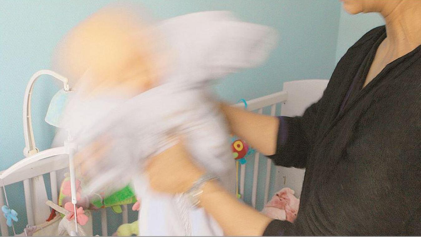 Un homme est accusé d'avoir violenté son bébé de quelques mois et d'avoir violé sa femme. Photo illustration
