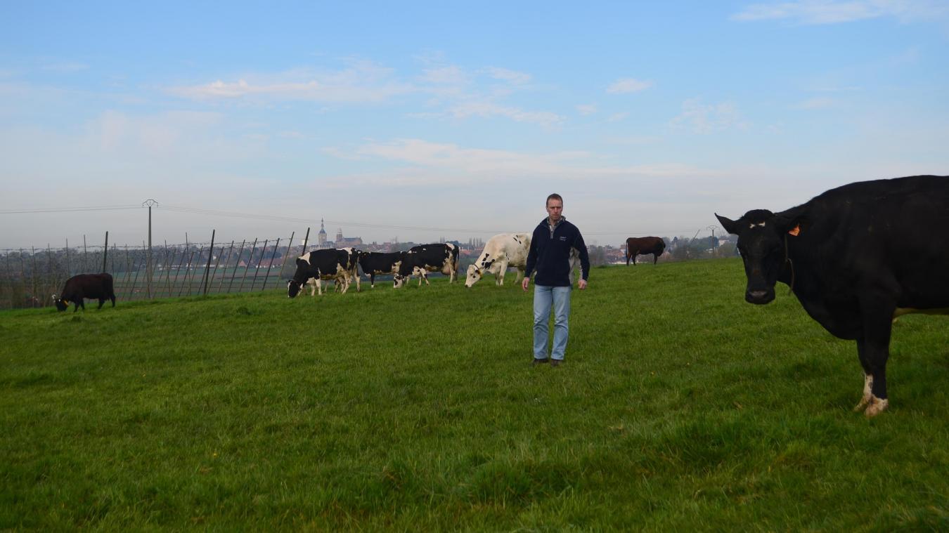 Thierry Beck est agriculteur à Bailleul. Il est installé depuis 2006. Il produit notamment du houblon et gère la brasserie Hommelpap. Il a aussi des vaches laitières et des cultures conventionnelles. Thierry Beck fait également partie du groupe Belle énergie qui porte un projet de méthaniseur à Bailleul