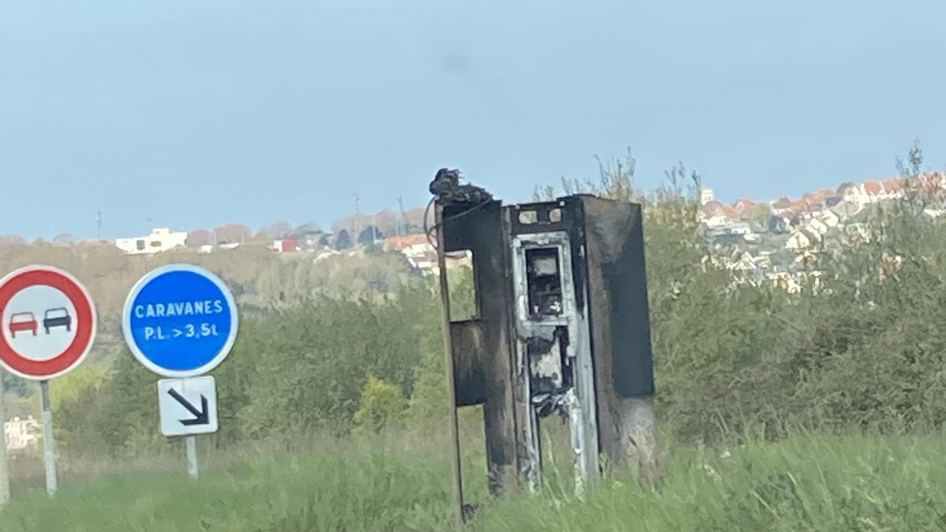 Un Portelois et un Boulonnais en garde à vue pour avoir brûlé deux radars automatiques