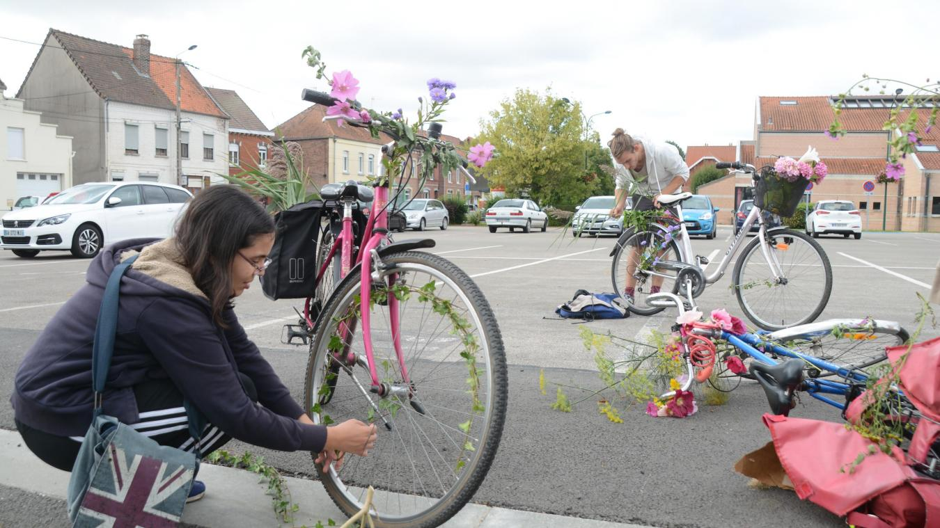 Avant le départ, chacun a pris le temps de décorer son vélo.