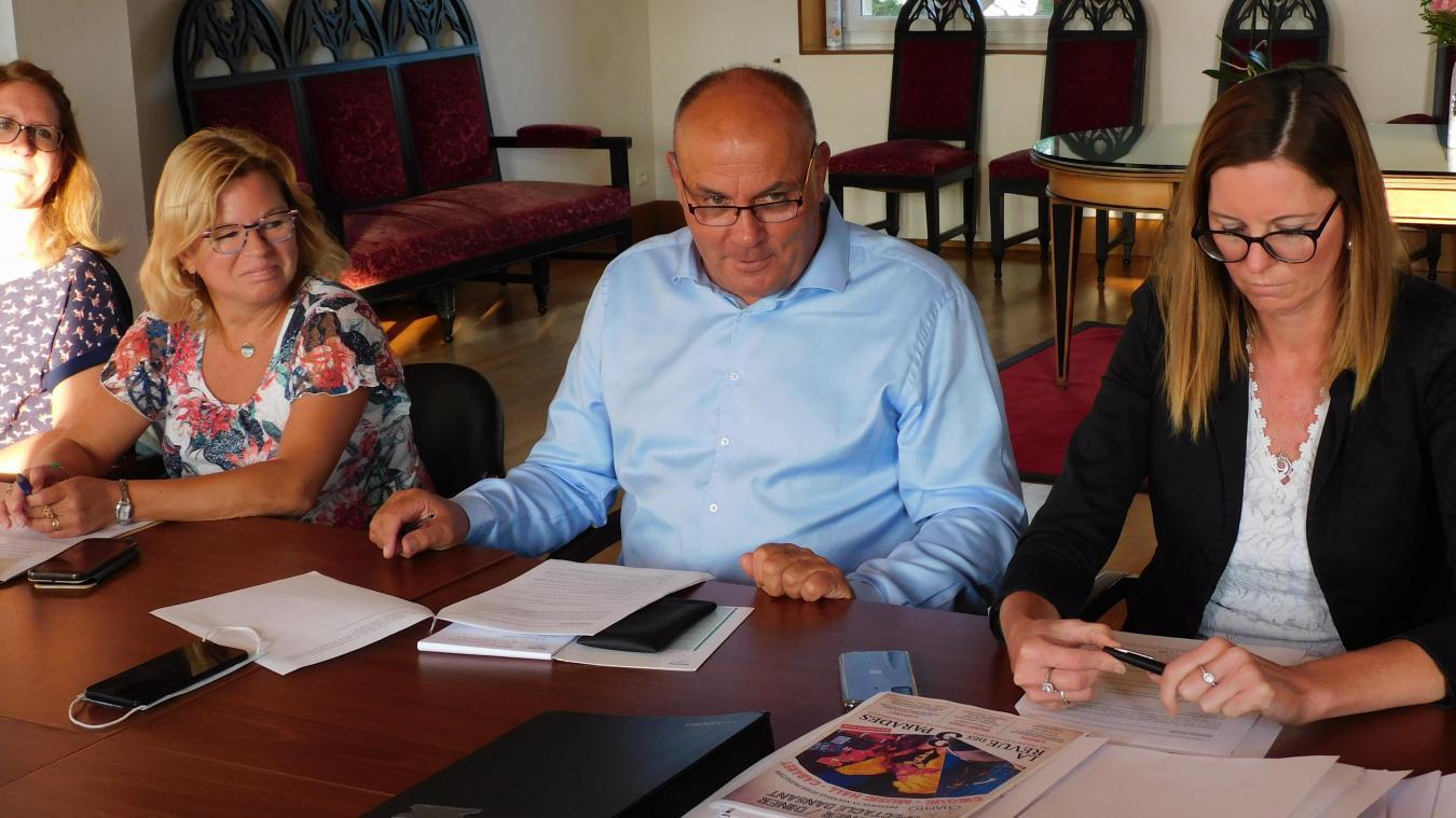 Le maire et conseiller départemental a convoqué lundi la première réunion de la rentrée.
