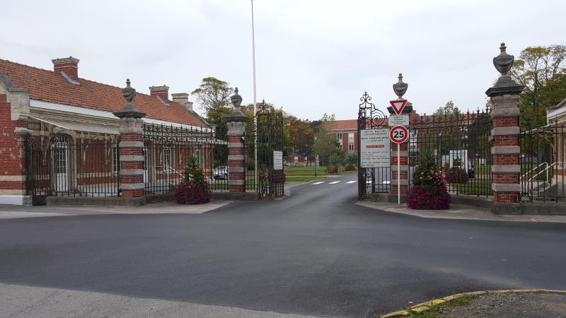 Toutes les hospitalisations de jour et toutes les consultations externes sont désormais suspendues à l'Hhôpital maritime de Zuydcoote.