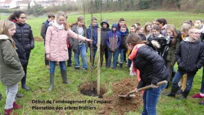 Le thème de l'environnement est un sujet de premier plan au sein de l'établissement marquisien.