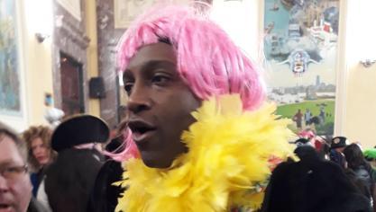 Télévision : Kamini s'initie au carnaval de Dunkerque