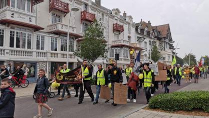 Une marche entre Étaples et Le Touquet pour les Gilets jaunes de la Côte d'Opale