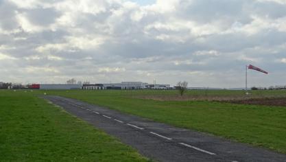 Vitry-en-Artois : un parachutiste trouve la mort au cours d'un saut
