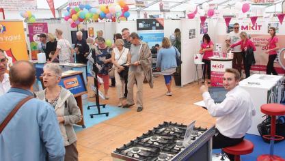La 48e édition de la Foire commerciale d'Aire-sur-la-Lys se tiendra les vendredi 13, samedi 14, dimanche 15, lundi 16 septembre sur le parking de la Gare d'Aire-sur-la-Lys.