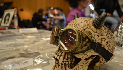 Ça tatoue à tout-va à la salle Olof-Palme de Béthune (photos)