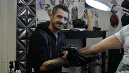 Boulogne-sur-Mer : un nouveau tatoueur s'installe rue Faidherbe