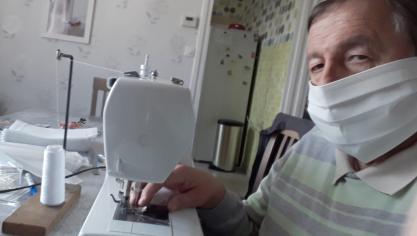 Wingles: 550masques faits par deux retraités en deux semaines