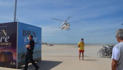 L'hélicoptère s'est posé sur l'espace Rose des vents sur l'esplanade de Berck.