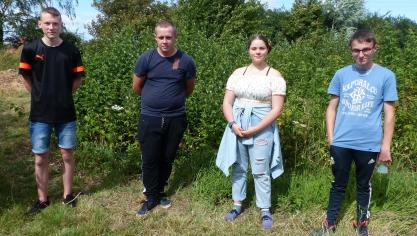 Arnèke : quatre jeunes font un service national dans la nature